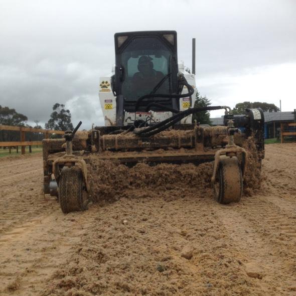 Blending Fibre & sand surface Horse Arena